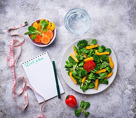 Klein healthy-vegetable-salad-water-and-