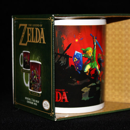 The Legend of Zelda heat change mug, officially licenced Nintendo, Link battle scene