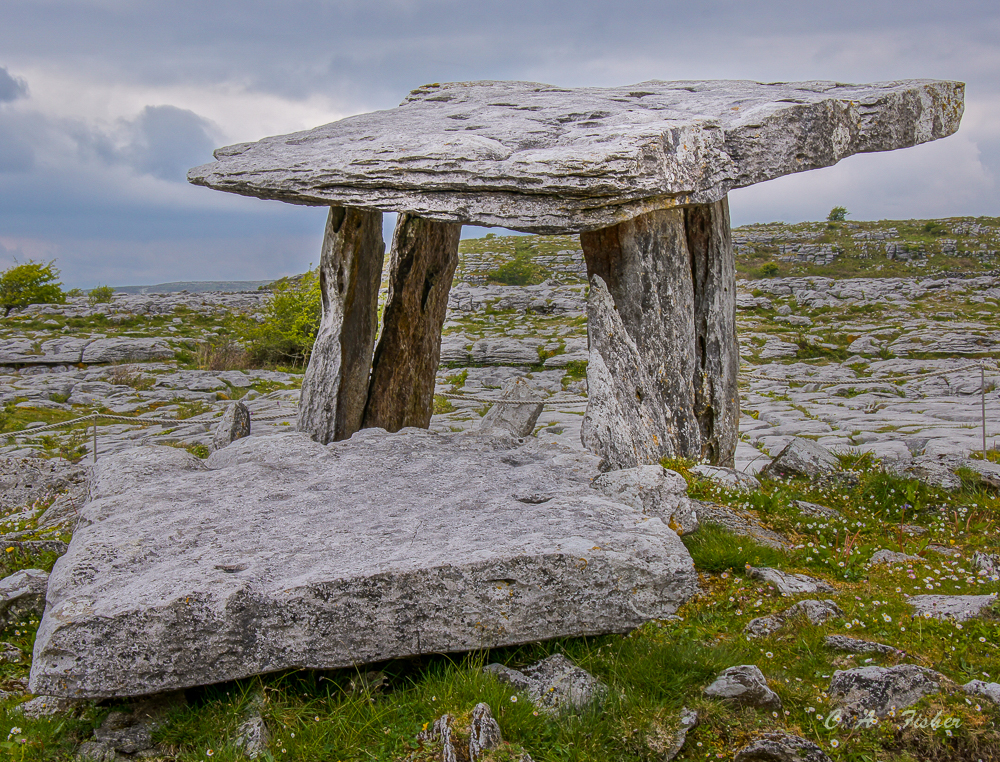 Poulnabrone Domen in the Burren