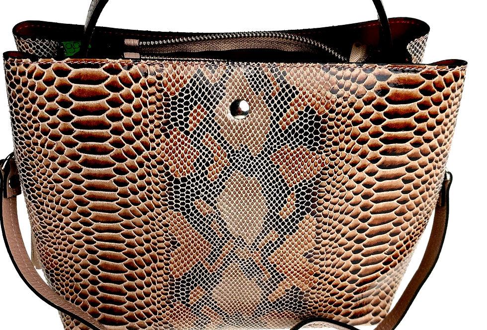 Elegancka mniejsza torebka skórzana VEZZE z organizerem pudrowa