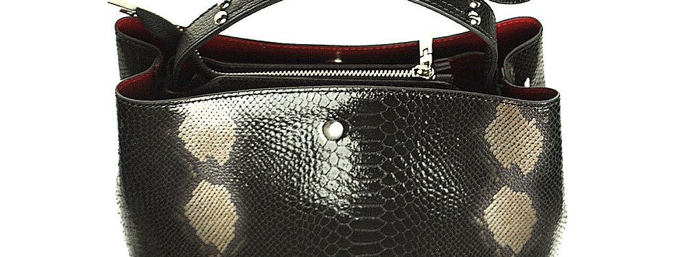 Elegancka mniejsza torebka skórzana VEZZE z organizerem czarna