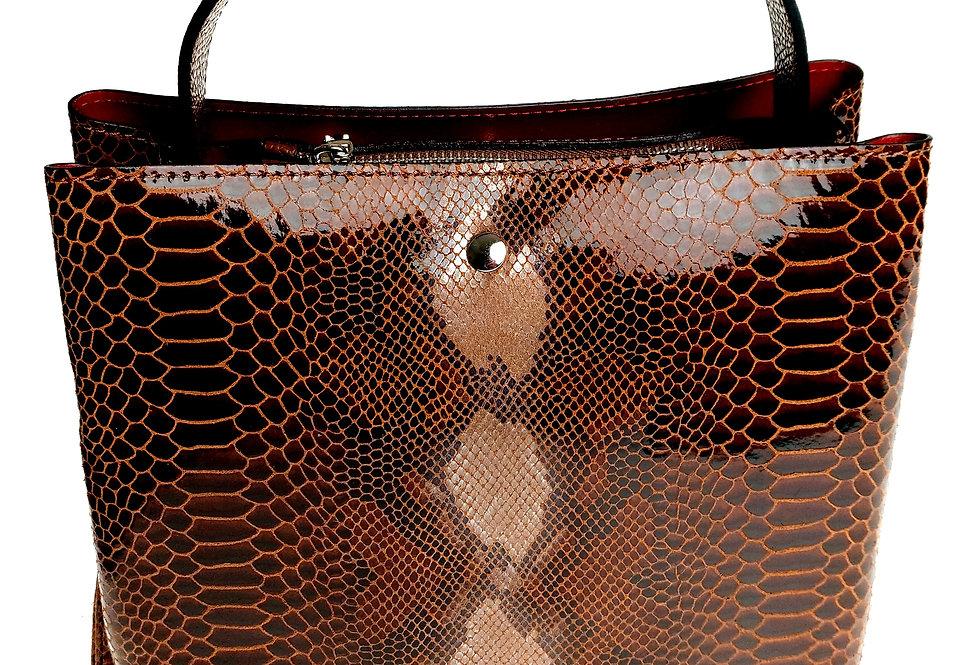 Elegancka mniejsza torebka skórzana VEZZE z organizerem brązowa