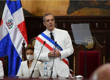 Abinader anuncia construcción autopista del Ambar en Puerto Plata y un aeropuerto