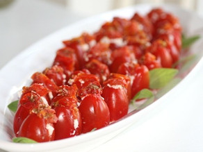 Bagt tomat med feta og bacondrys