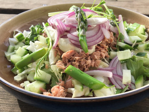 Let frokost salat med tun