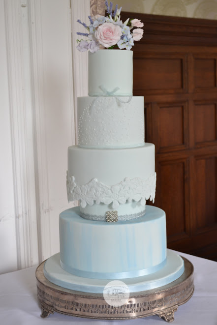 5 Tier Lace Wedding Cake