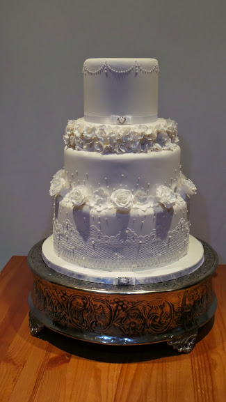 Elegance Wedding Cake