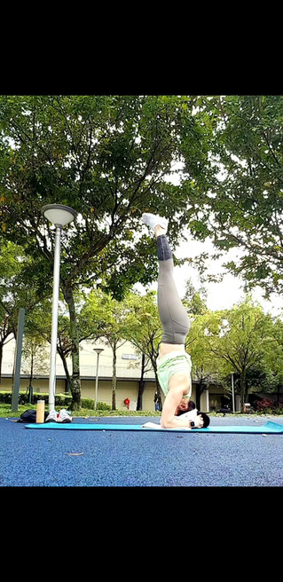 Headstand Training