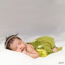 Beautiful Newborn by Anett Elek.jpg