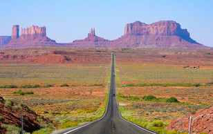 Monument-Valley-view-from-north-in-Utah.
