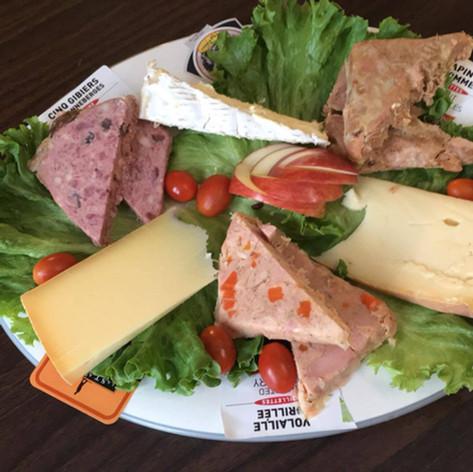 Plateau de fromage et terrine