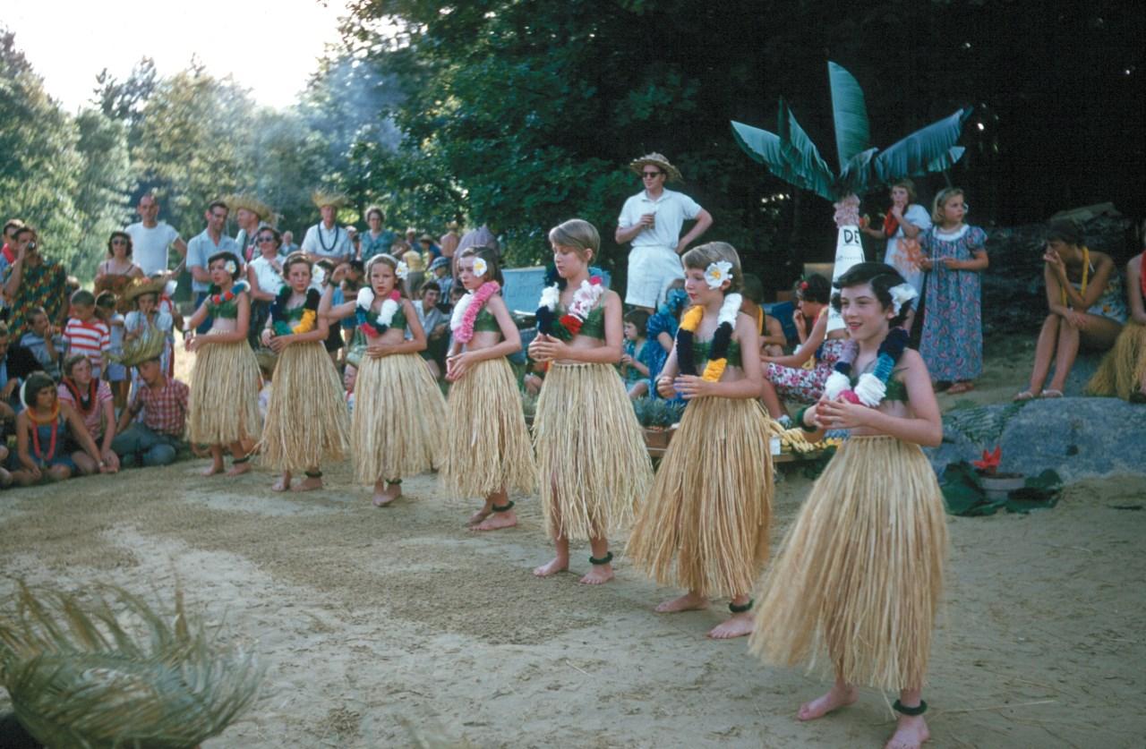 Grass skirts 1960