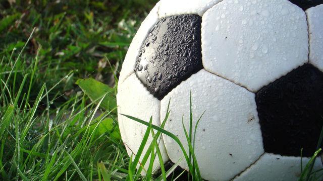 """""""EN DIÁLOGO"""" Organización de Futbolistas Uruguayas y Mujer Ahora."""