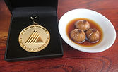Pickled garlic with consistency medal.jp