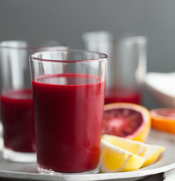 Carrot-Beet-Blood-Orange-Ginger-Turmeric-Juice-gourmandeinthekitchen.com__edited