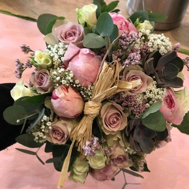 💖Gifteplaner 💖 vi hjelper deg med blom
