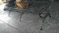 kovani okvir stola