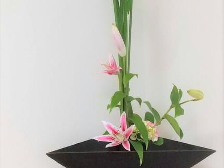 お座敷のお花です。