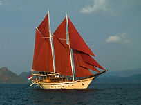 SI DATU BUA sailing in Indonesia.jpg