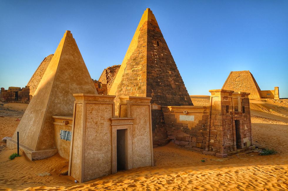 2018_1209_22214200-01 Pyramids of Meroe
