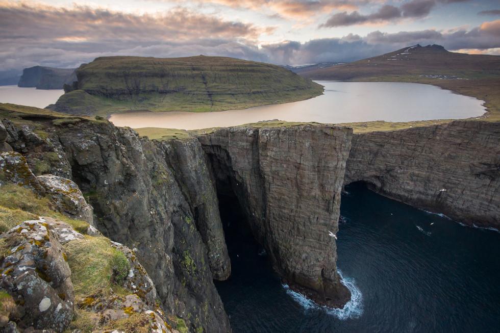 Leitisvatn Lake Faroe Islands.jpg