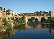 1200px-Puente_de_San_Martín._Toledo,_Spa