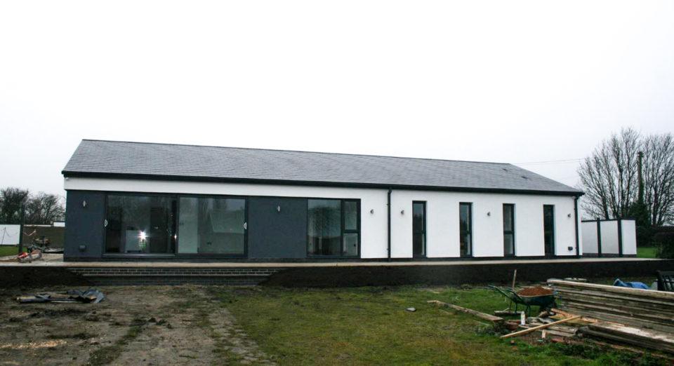 Contemporary-bungalow-2-960x522