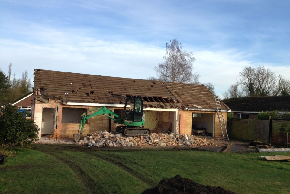 demolition-of-bungalow-02-960x645