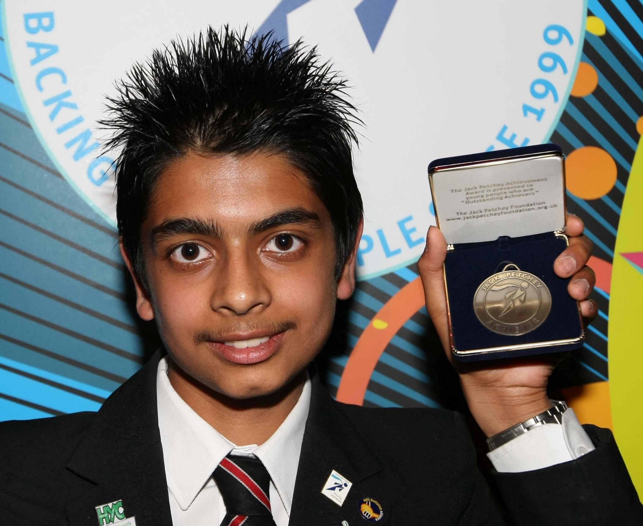 jack+petchey+cermony+22.6.2011+award+from+St+Marks+(nishall).jpg