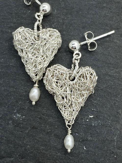 Dangle heart earlings with drop pearl
