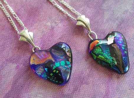 Two Sisters' Pendants - Purple Cloud Studio