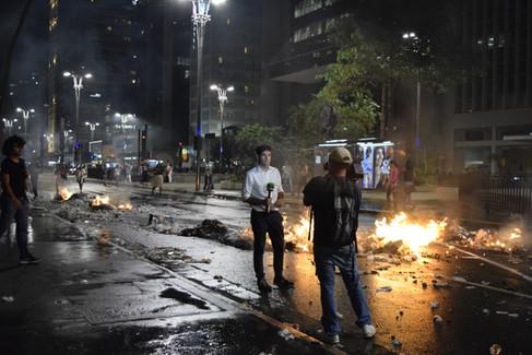 Avenida Paulista após manifestação em protesto ao Impeachment de Dilma Rousseff  31 de agosto de 2016