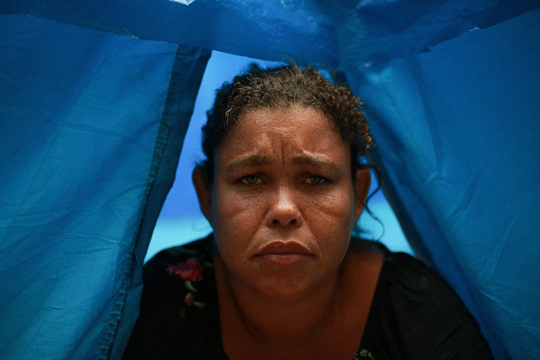 """Bruna Patrícia tem uma filha de seis anos no Rio de Janeiro. """"Não desejo a vida das ruas para ninguém"""""""