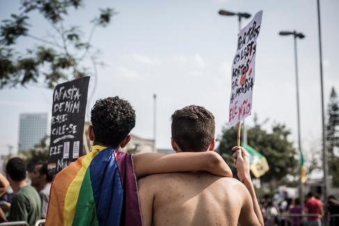 Casal gay no ato #Elenão em São Paulo  30 de setembro de 2018
