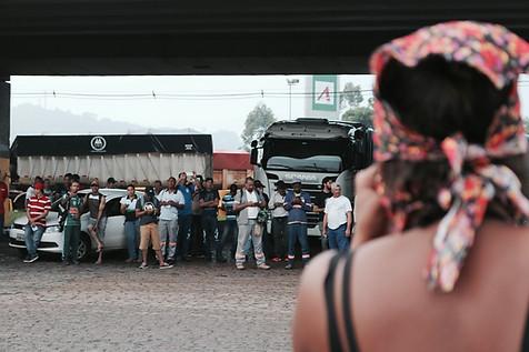 Mulheres do Movimento dos Trabalhadores Rurais Sem-Terra realizam ato contra o calote na Previdência da empresa Vale, durante o Dia Internacional da Mulher  Cubatão - 8 de março de 2017