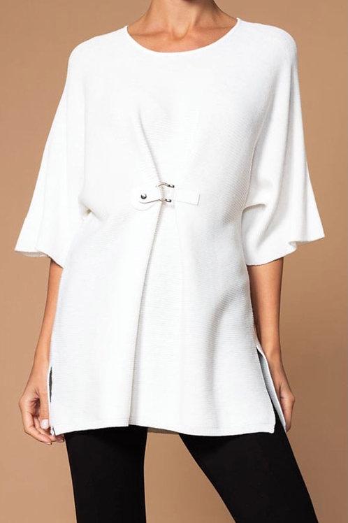 Chandail style poncho blanc cassé Elena Wang