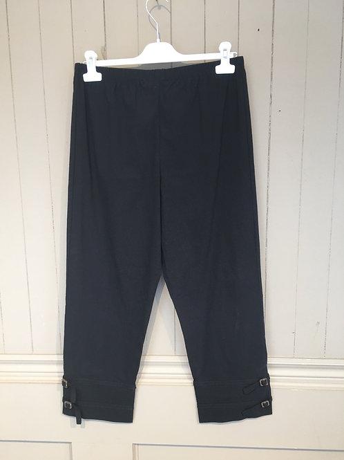 Pantalon 3/4 avec attaches noir FA Concept