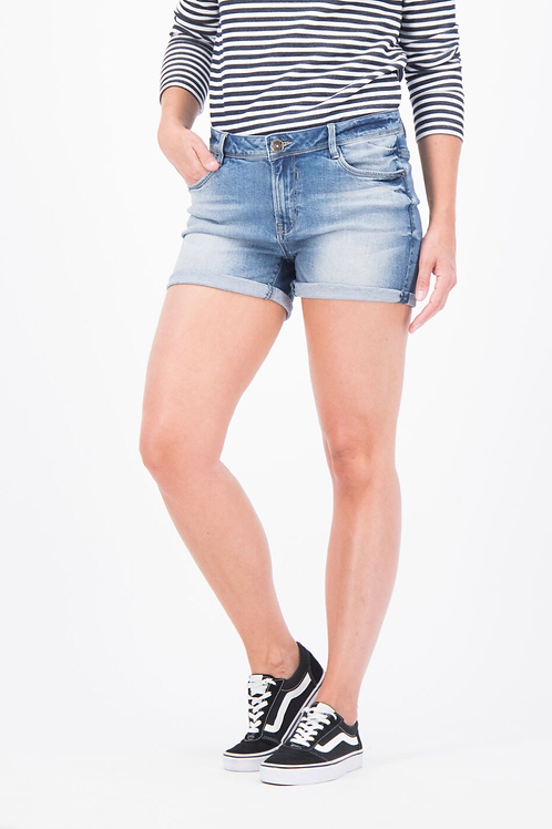 Short en jeans, l'indispensable