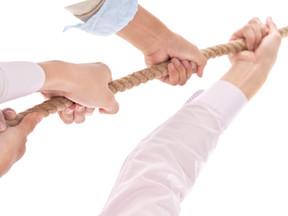 In Krisen müssen alle am selben Strick ziehen, was wenn nicht?