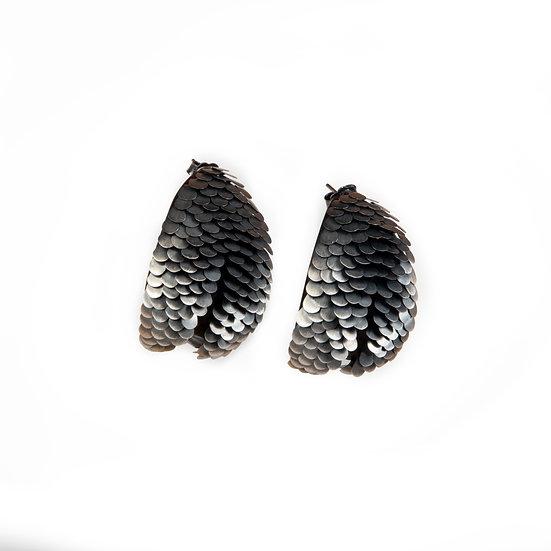 Large Murmur Curved Earrings Silver