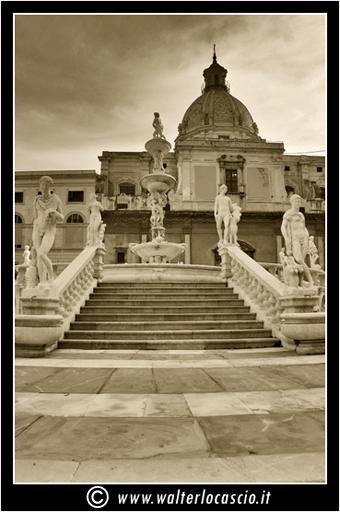 palermo-piazza-pretoria-piazza-della-vergogna_3553908793_o.jpg