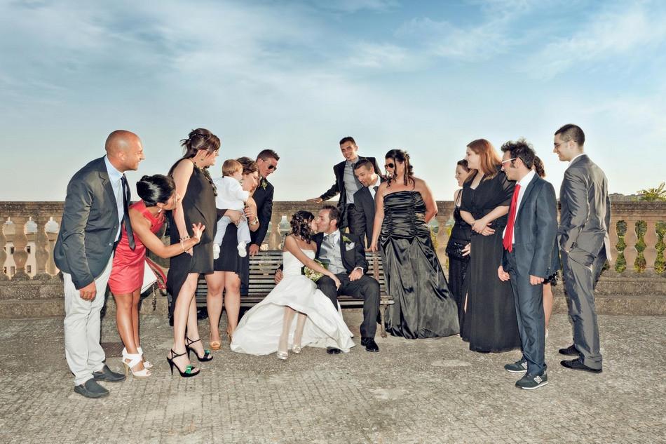 Gli sposi con gli amici a Caltanissetta