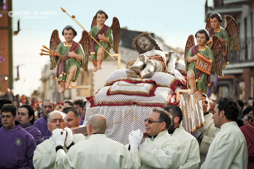 venerd-santo-a-san-cataldo-il-mattutino-san-cataldese-anno-2013_8690436972_o.jpg