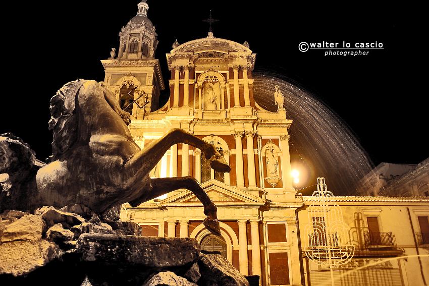 fontana-del-tritone_6998735632_o.jpg
