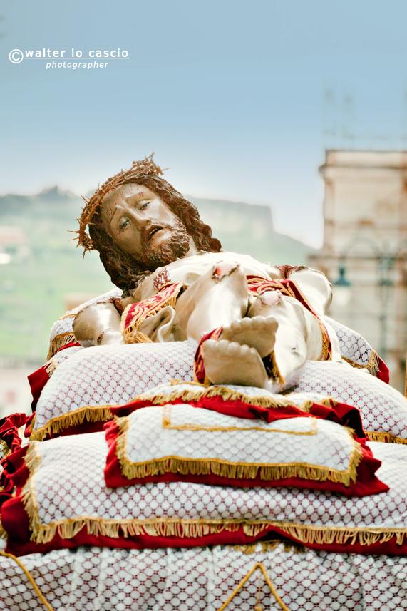venerd-santo-a-san-cataldo-il-mattutino-san-cataldese-anno-2013_8619351712_o.jpg