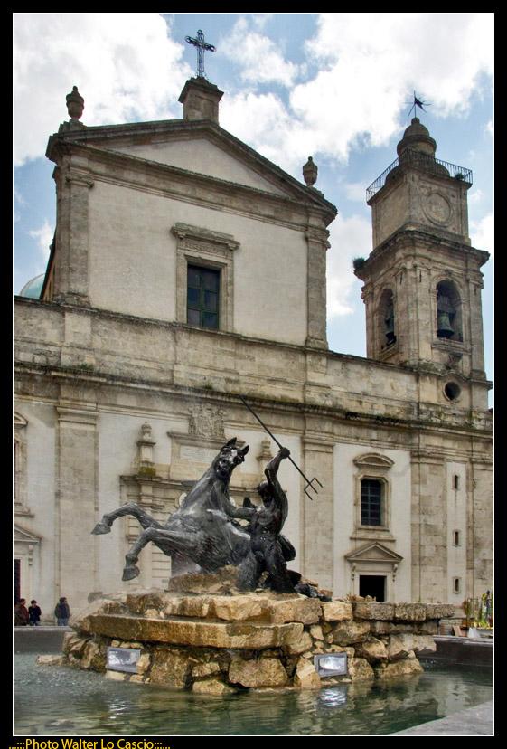 piazza-garibaldi-a-caltanissetta_3424173880_o.jpg