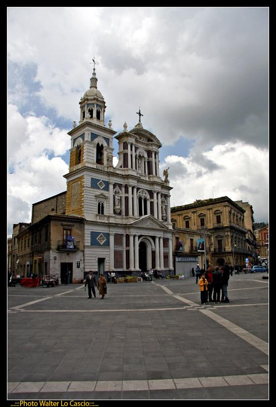 piazza-garibaldi-a-caltanissetta_3423366393_o.jpg