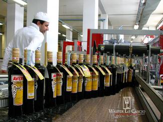 AMARO AVERNA, Reportage fotografico all'interno dell'industria del più famoso Amaro Sicilian