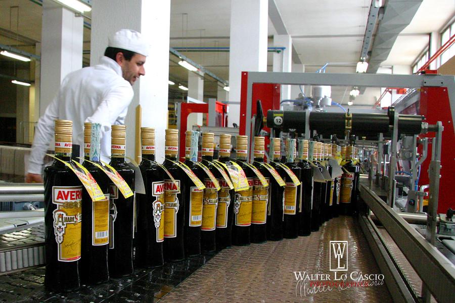 Fotografie Amaro Averna industria Caltanissetta