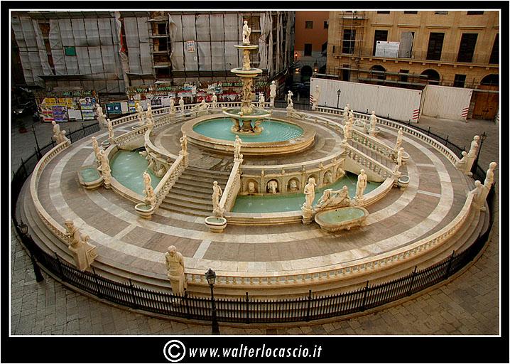 palermo-piazza-pretoria-piazza-della-vergogna_3553906513_o.jpg